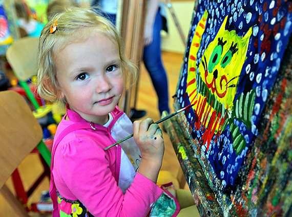 Школа Монтессори - уроки живописи